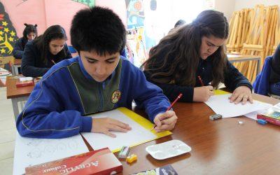 Fundación Educacional Collahuasi imparte talleres artísticos de pintura para jóvenes