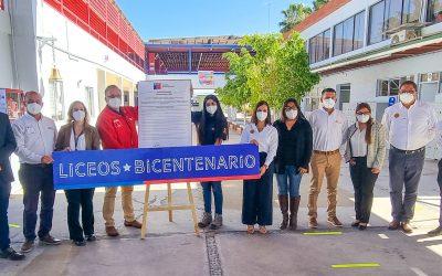 El Liceo Padre Alberto Hurtado Cruchaga de Pica, Firma convenio de Liceo Bicentenario.